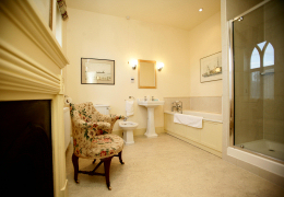 Bathroom 1, The Gables, Aldeburgh, Suffolk